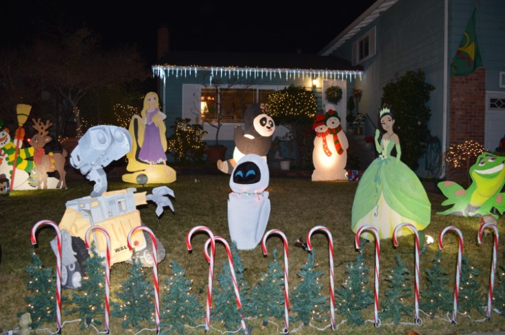fremont xmas lights- crippsmas place2