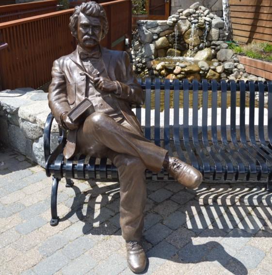 马克吐温在太浩湖的铜像