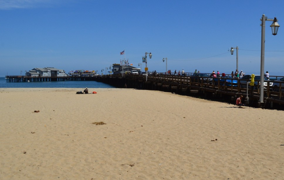 santa barbara stearns wharf_beach left