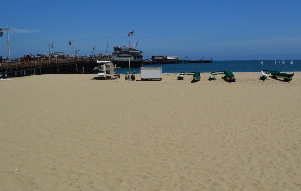 santa barbara stearns wharf_beach right