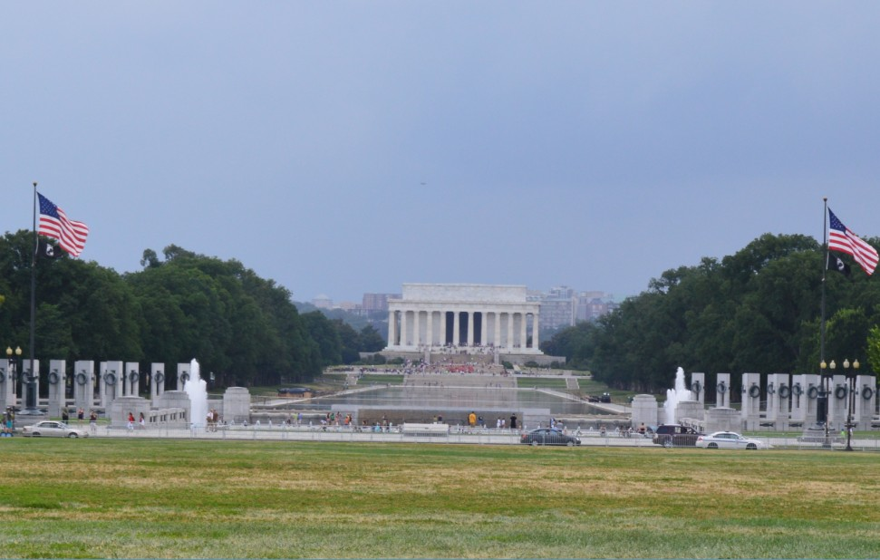 washington-dc-Lincoln Memorial from washington monument